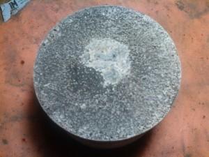 Вот пример вырезанного катализатора на котором от плохого бензина спаялись соты